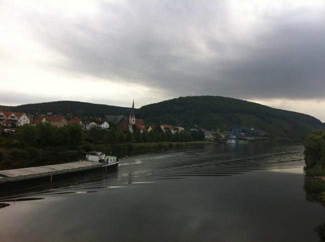 Am Neckar Richtung Wertheim