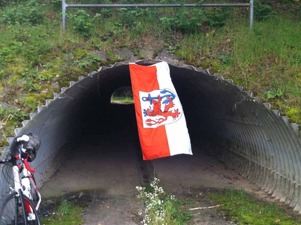 Tuna for Kids! - The tunnel of love! Fortuuuuna!