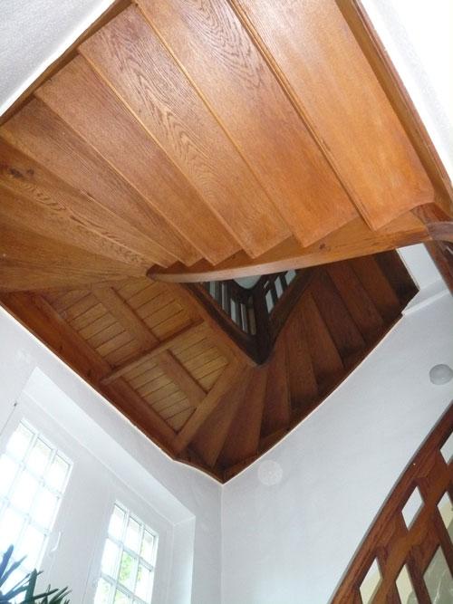 Brandschutzbeschichtung einer Holztreppe