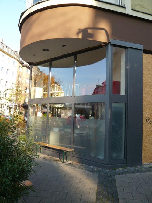 Malerarbeiten im Cafe Hüftgold