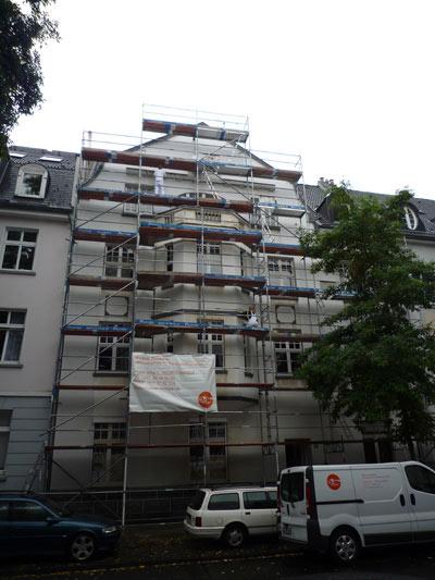 Malerarbeiten an Fassade