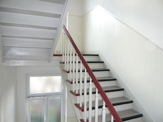 Malerarbeiten in Treppenhaus